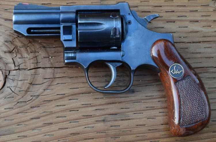 Wesson, revolvers, Dan Wesson