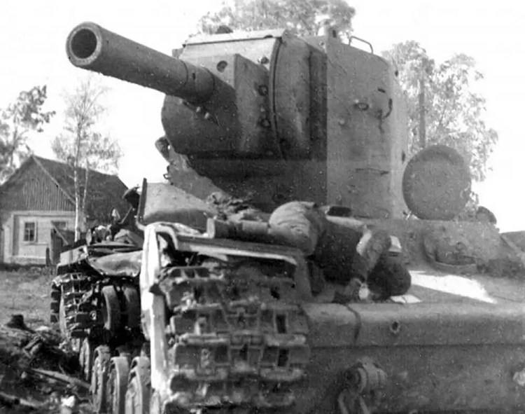 One KV tank and its crew in particular were of great significance during the Battle of Raseiniai during Operation Barbarossa.