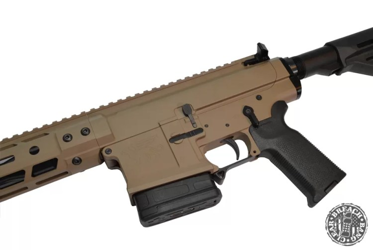 Black Creek Labs 102 MK7 - The QD sockets are on the sides right where the barrel nut lives.