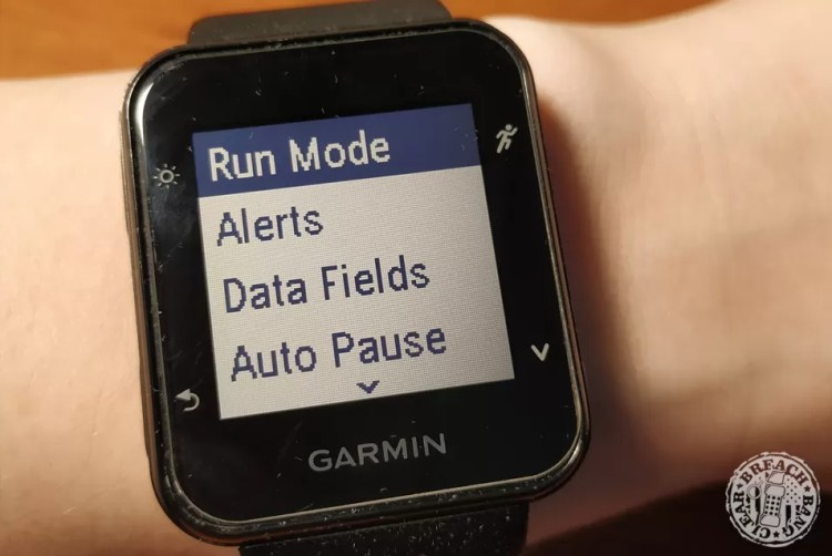 The menus on the Garmin Forerunner 35 are intuitive and easy to see.