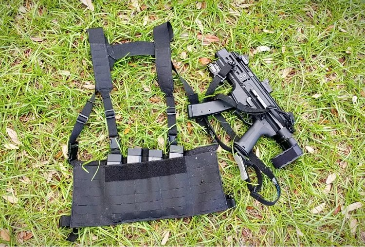 Beeze Combat Systems PCC Chest Rig
