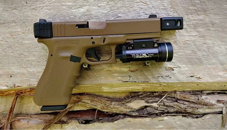 Glock 17 with Streamlight TLR-1 HL weapon light.