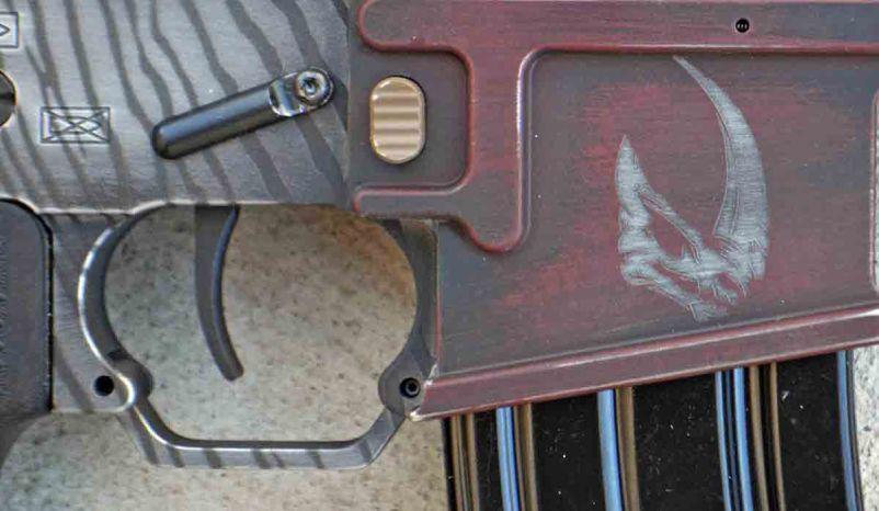 Mudhorn signet on a mandalorian gun magwell