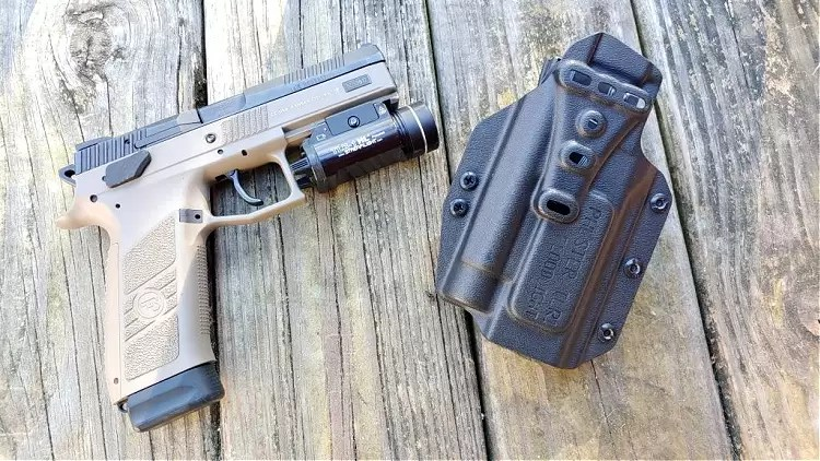 CZ P09 and PHLster Floodlight OWB hoster.