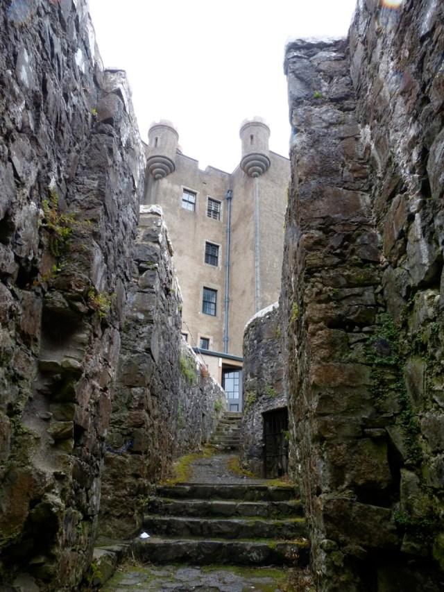 Dùn Bheagain Castle