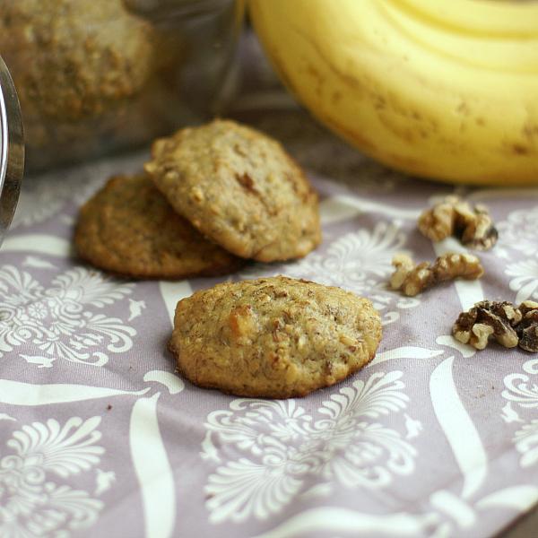 banana and walnut cookies