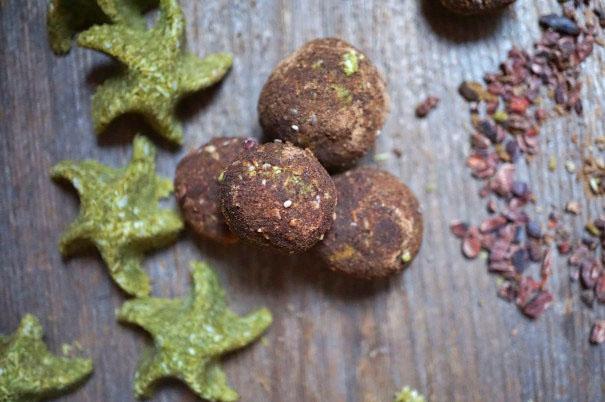 Cacao Magic Matcha Moringa Macaroons Recipe | Breakfast Criminals | Gluten free dessert
