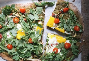 Arugula Spelt Healthy Breakfast Pizza with Egg Recipe