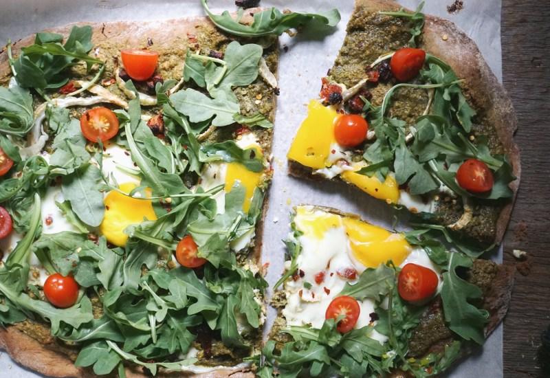 Arugula Spelt Healthy Breakfast Pizza with Egg Recipe