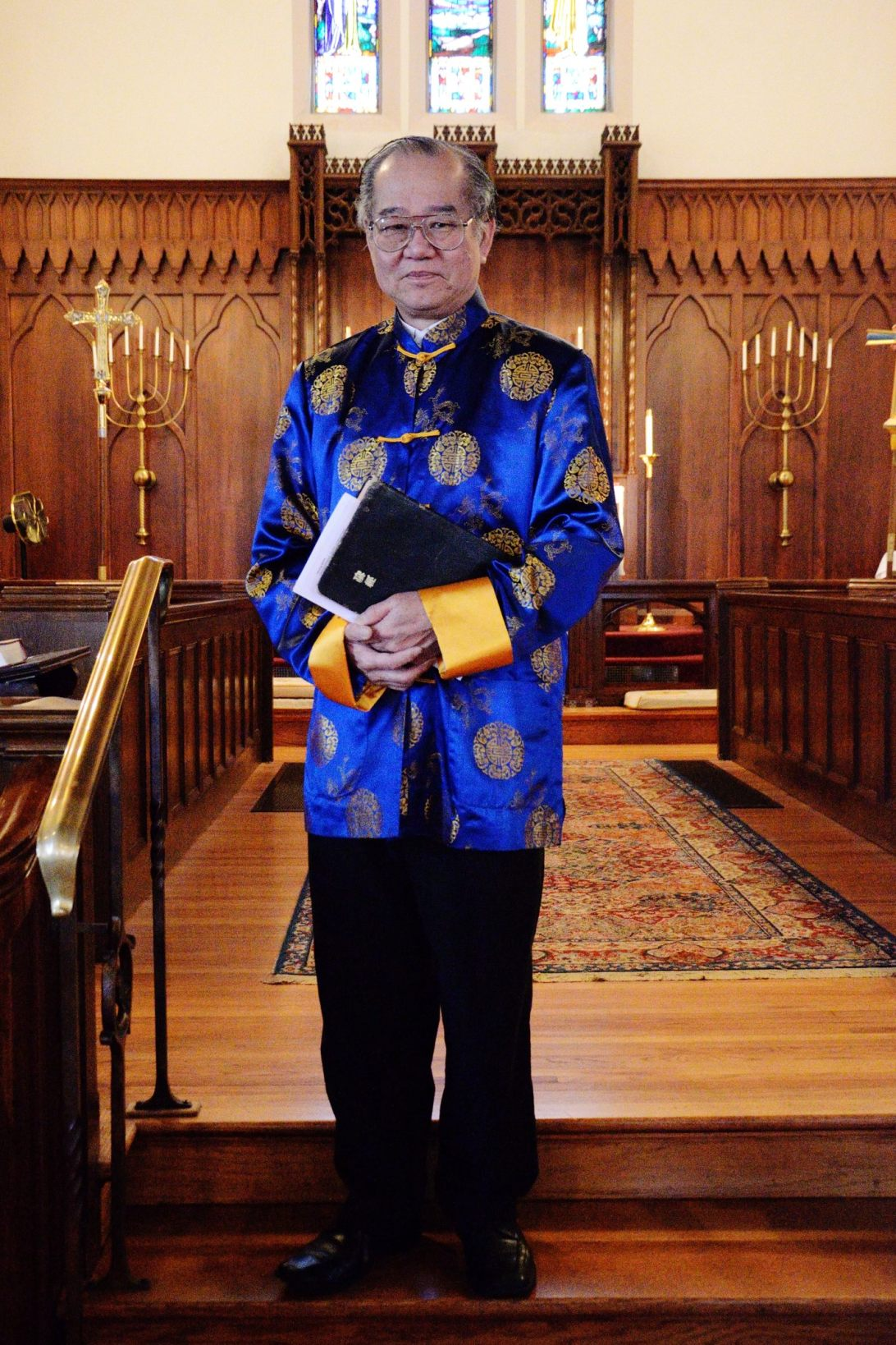 John dressed in a fine Chinese jacket for the Gospel reading. Anyone who has seen the vest I got married in will know why I liked John's jacket.