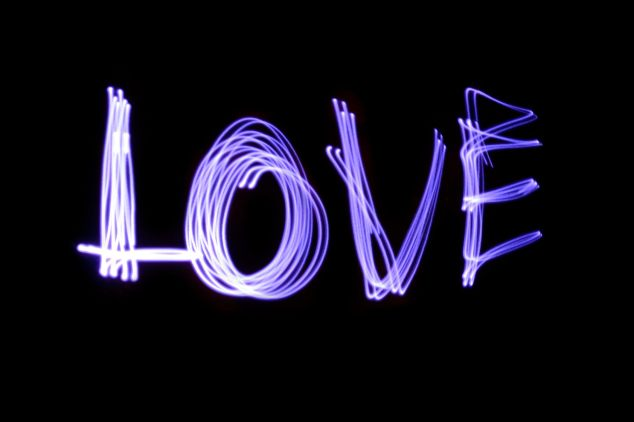 Love (Purple) - Lanie's light-painting