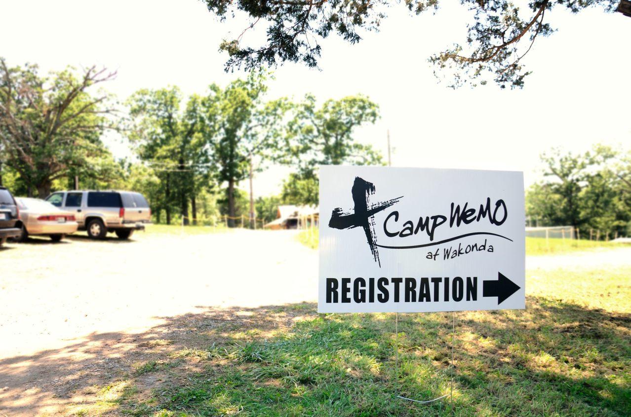 Registration sign for Camp WeMo at Wakonda