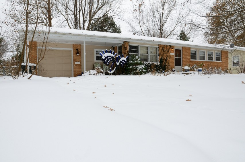 We've had 6-7 inches of snow. Copyright © 2013 Gary Allman, all rights reserved.