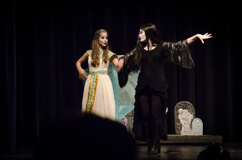 Cleopatra Addams & Morticia Addams