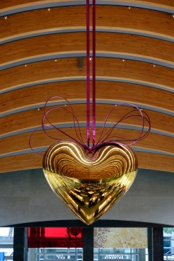 Photograph of Hanging Heart (Gold/Magenta)