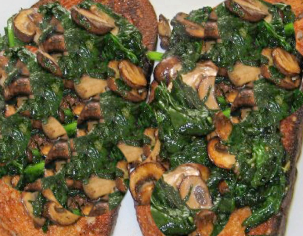 Spinach and Mushrooms on Garlic Toast