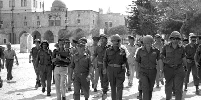 Six day war. Defense Minister Moshe Dayan, Chief of staff Yitzhak Rabin, Gen. Rehavam Zeevi (R) And Gen. Narkis in the old city of Jerusalem.  (Ilan Bruner, GPO, 07/06/1967)