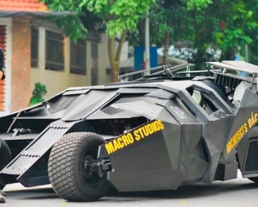 Student Builds His Own Batmobile To Drive Around Campus