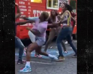 WNBA Players Throw Punches In Wild Brawl ... All-Star Apologizes