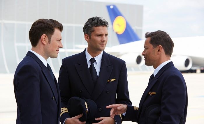 Lufthansa negotiating huge bailout with German government 1