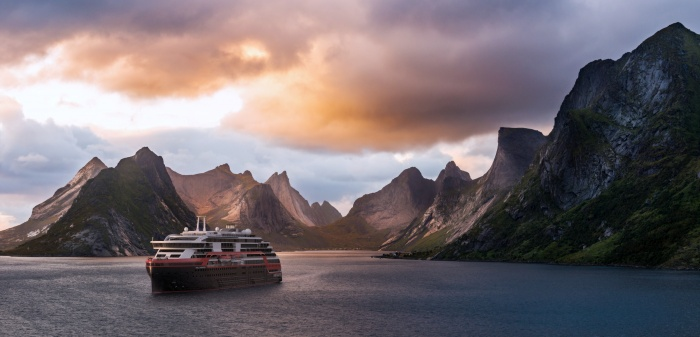 Hurtigruten signs for third hybrid powered expedition ship 1