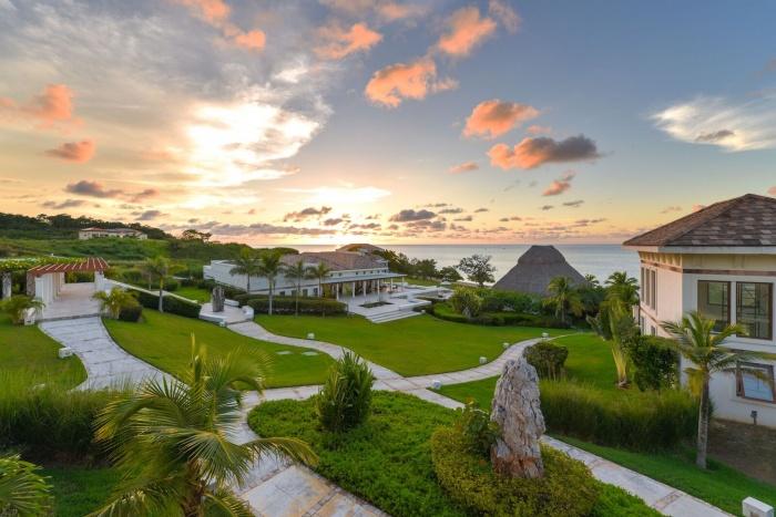Breaking Travel News investigates: Las Verandas Hotel & Villas, Roatán, Honduras