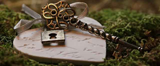 heart with lock and key
