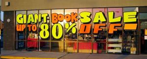 Giant_Book_Sale source:https://commons.wikimedia.org/wiki/File:Giant_Book_Sale.JPG