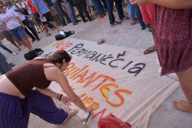 Protesto aconteceu no final da tarde desta segunda-feira