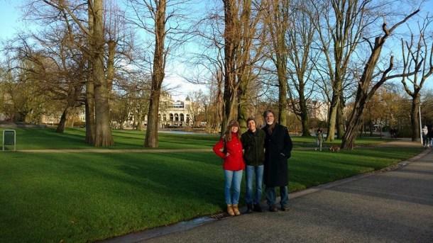 Agatha com a família na Holanda (Foto: Cedida/Facebook)
