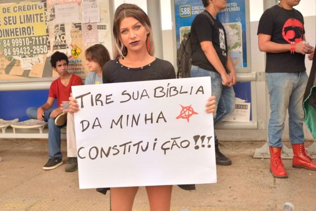 Protesto critica a falta de respeito ao estado laico (Fotos: Lara Paiva)