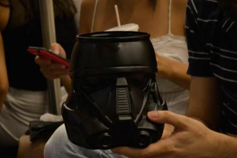 Stormtrooper em forma de balde de pipoca