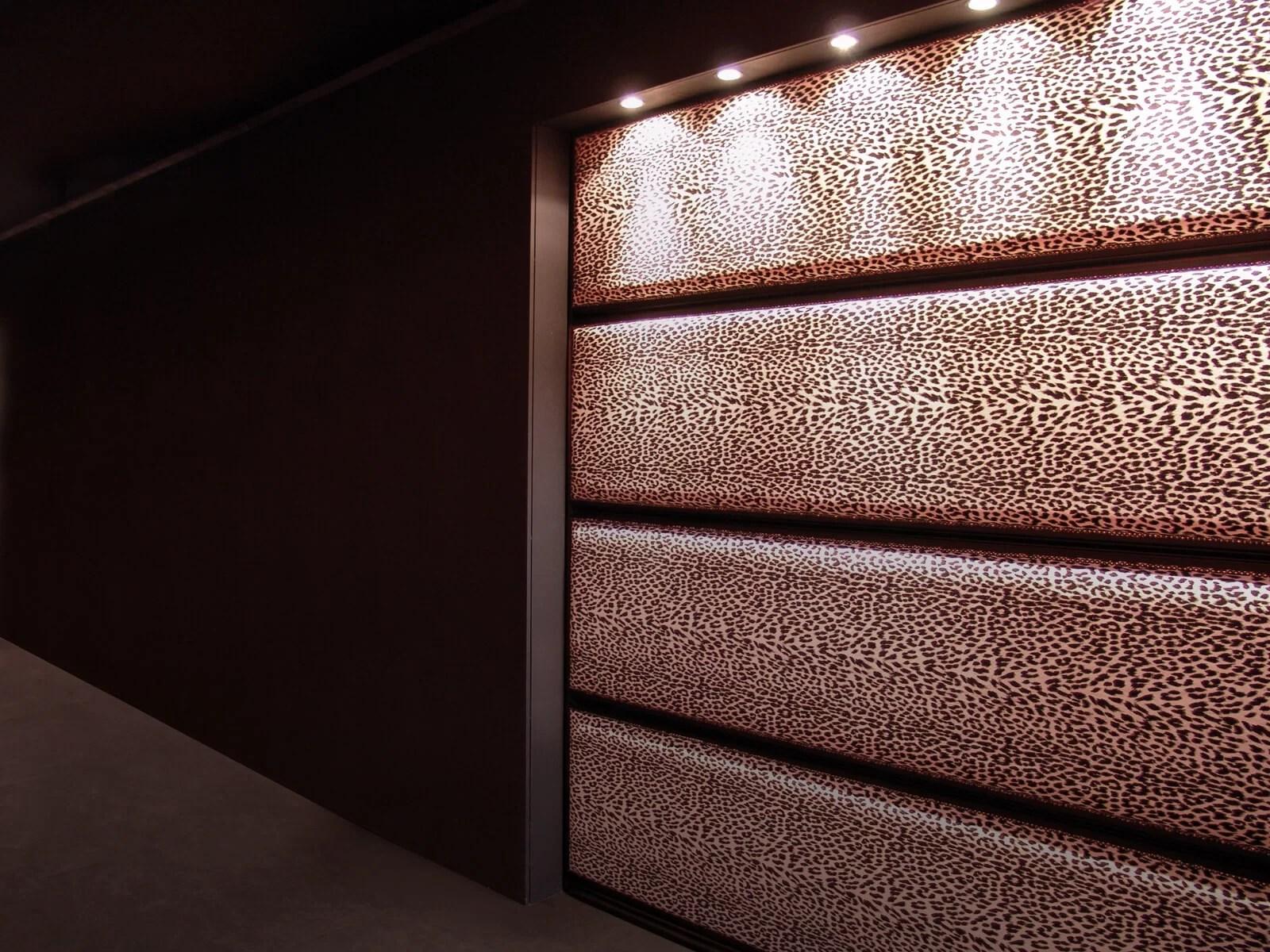Portone di design Le Perle TEXTILE JEWELS - Tessuto leopardato