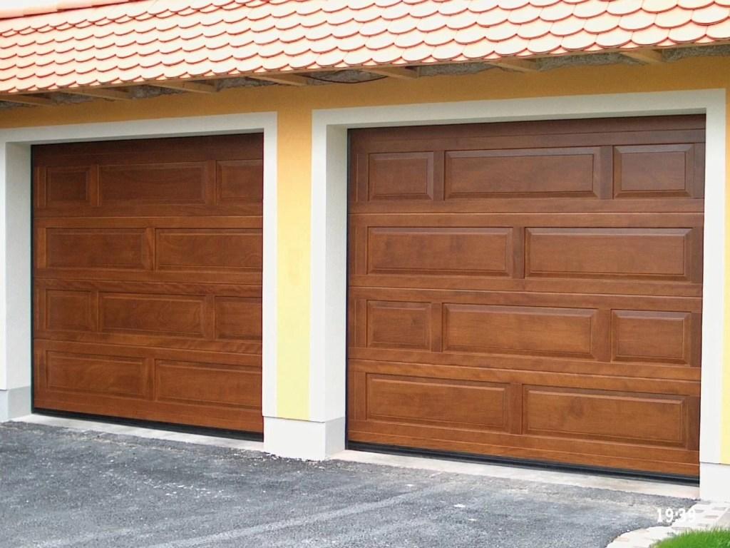 Portone sezionale in legno breda wood line top for Breda portoni