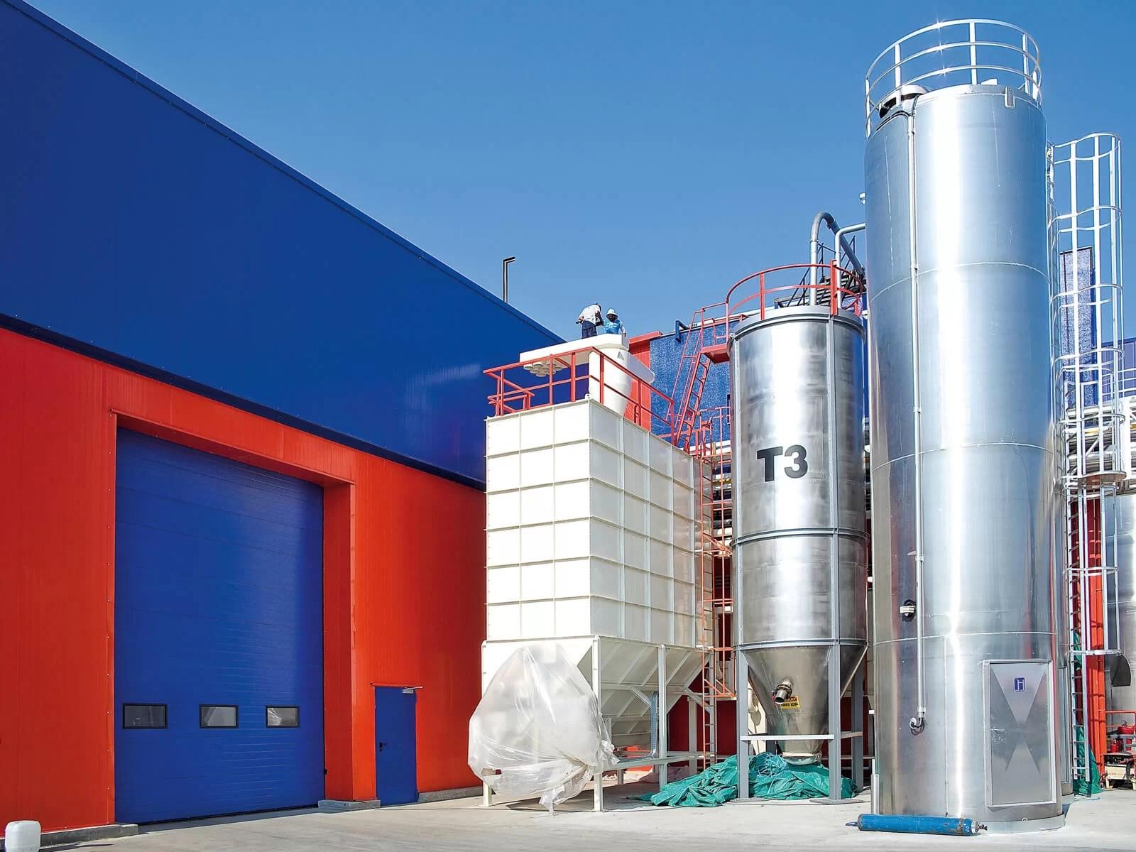 Portone sezionale industriale SECURA - Stucco blu RAL 5010