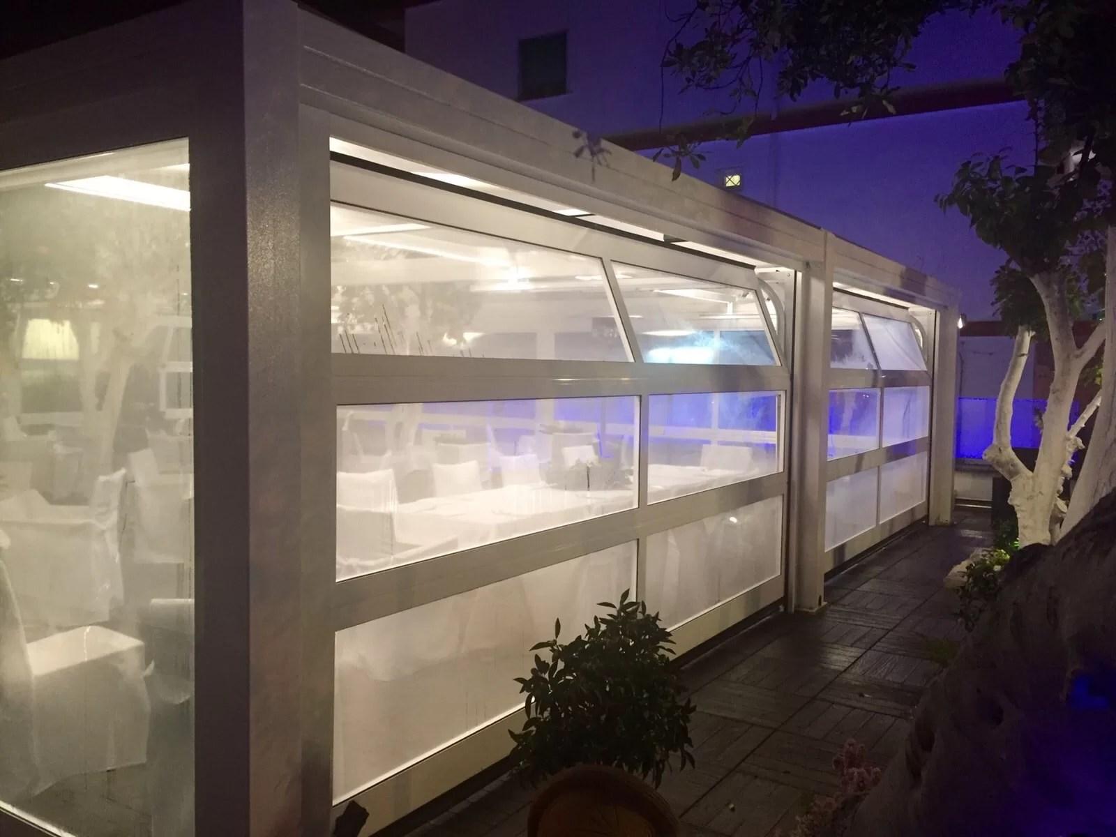 Portone sezionale vetrato LUX - Bianco C81