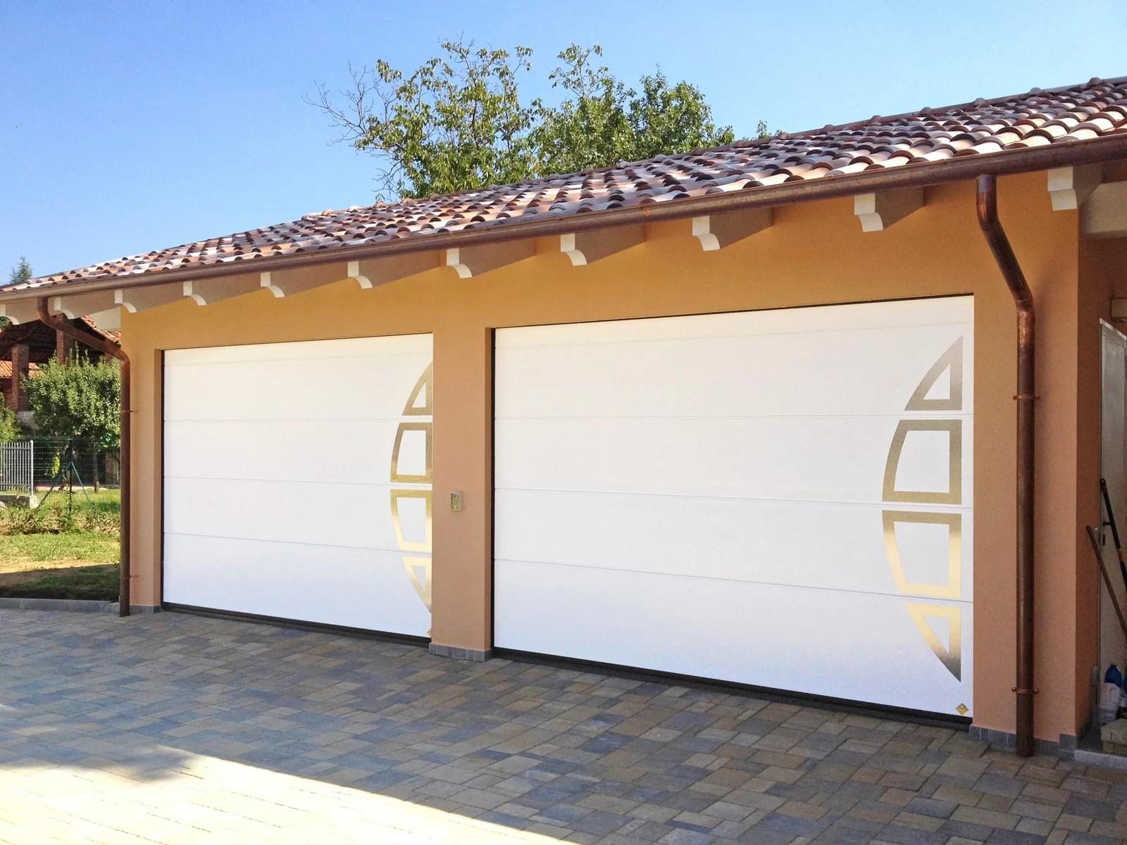 Portone sezionale da garage PERSUS DISEGNI SPECIALI - B200
