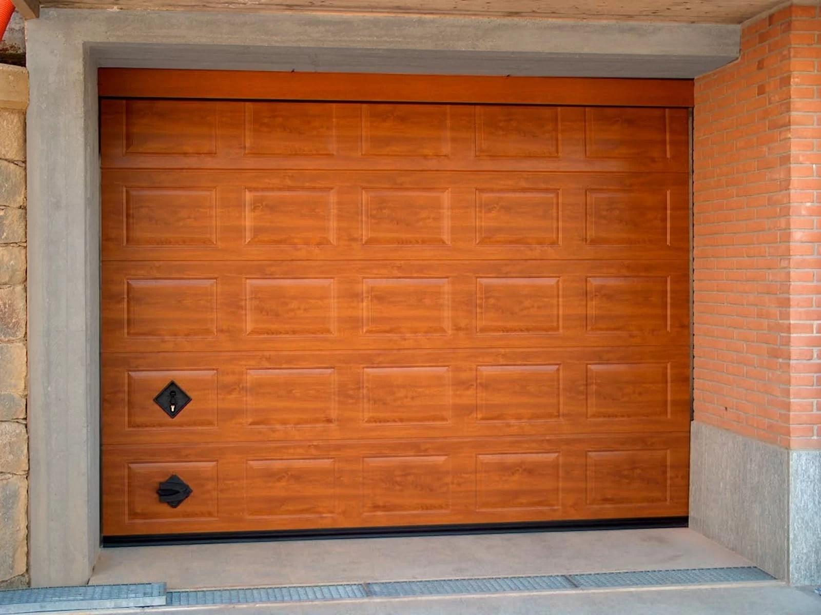 Portone sezionale da garage VENUS - Simil legno quercia dorata