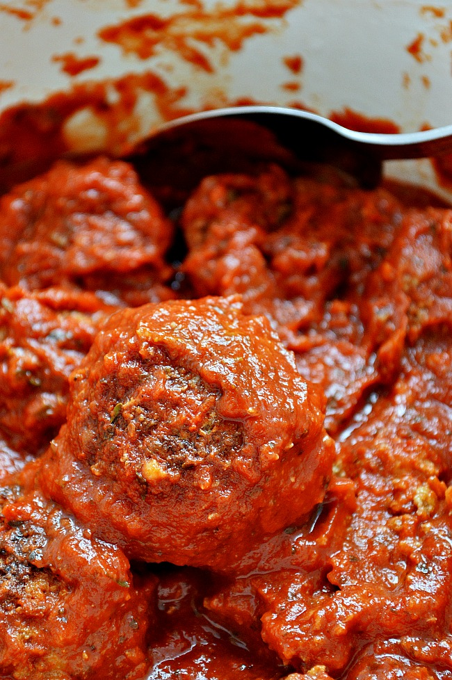 What's life without a quick and easy go to recipe for Gluten Free Classic Beef Meatballs? These babies are halfway homemade, using spruced up good old Prego sauce as a base.