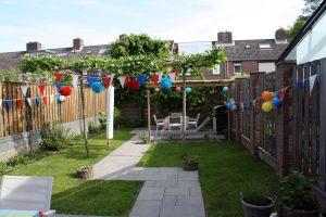 Onze heerlijke tuin mét zelfgebouwde overkapping <3