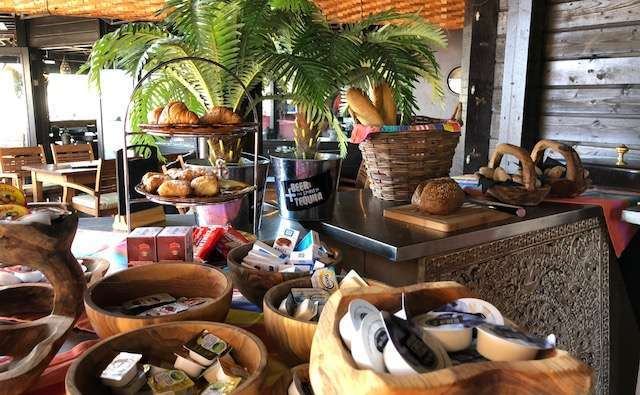 Beachclub Perry's ontbijtbuffet bregblogt.nl