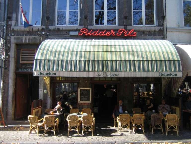 Café Charlemagne - bregblogt.nl
