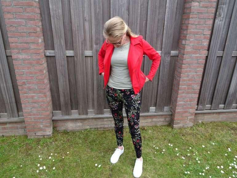 rood jasje bloemenbroek bregblogt.nl