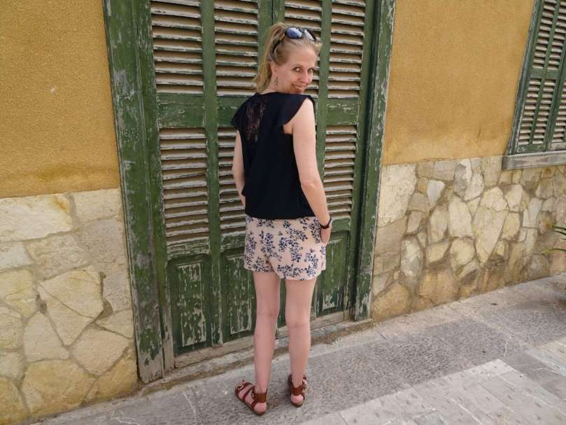 outfit Mallorca sandals short top bregblogt.nl