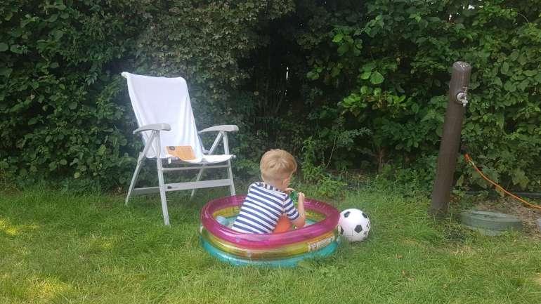 Spelen in het zwembadje bregblogt.nl