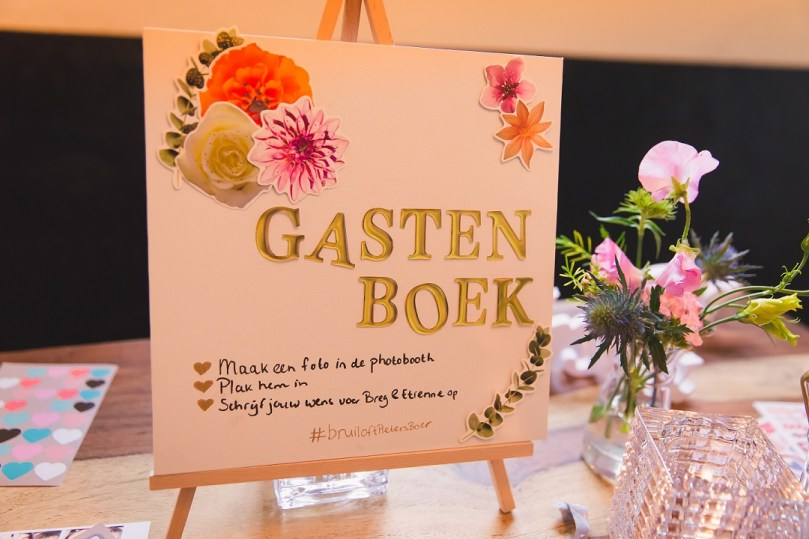 Bordjes decoratie bruiloft DIY wedding ideas bregblogt.nl