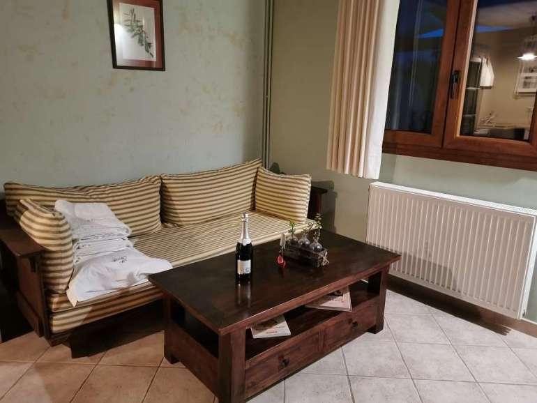 Olivetto Villas Lefkas woonkamer met slaapbank Smaragdi 1 bregblogt.nl