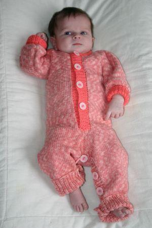 Baby jumpsuit babypakje breien gratis patroon