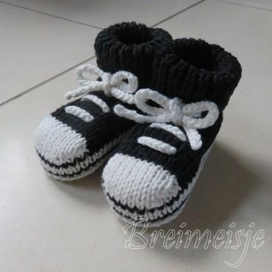 Patroon baby sportschoentjes breien