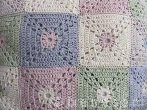 Hoe granny squares netjes aan elkaar naaien?